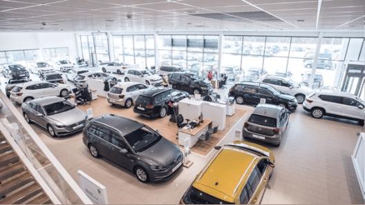 Kuvassa Volkswagen henkilö- ja hyötyautojen näyttelytila